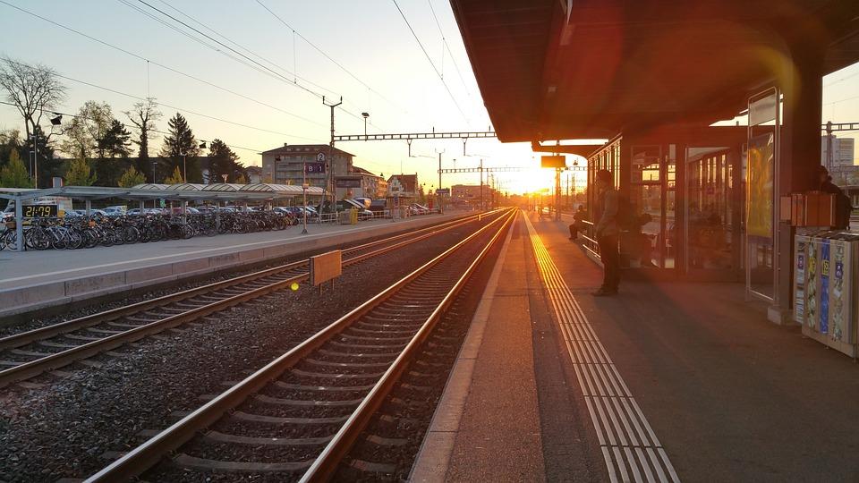 Sunrise, Railway