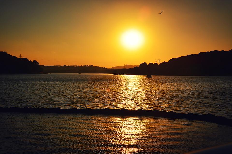 Bogong Island, Sunset, Taihu Lake