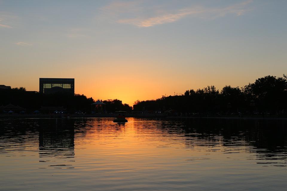 Sunset, Building