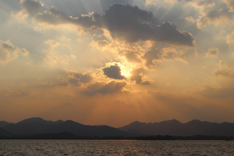 sunset west lake cloud