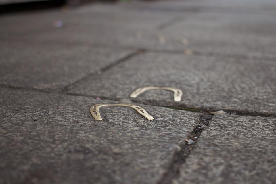 Horseshoes, Sidewalk, Ground, Pavement, Surface, Road