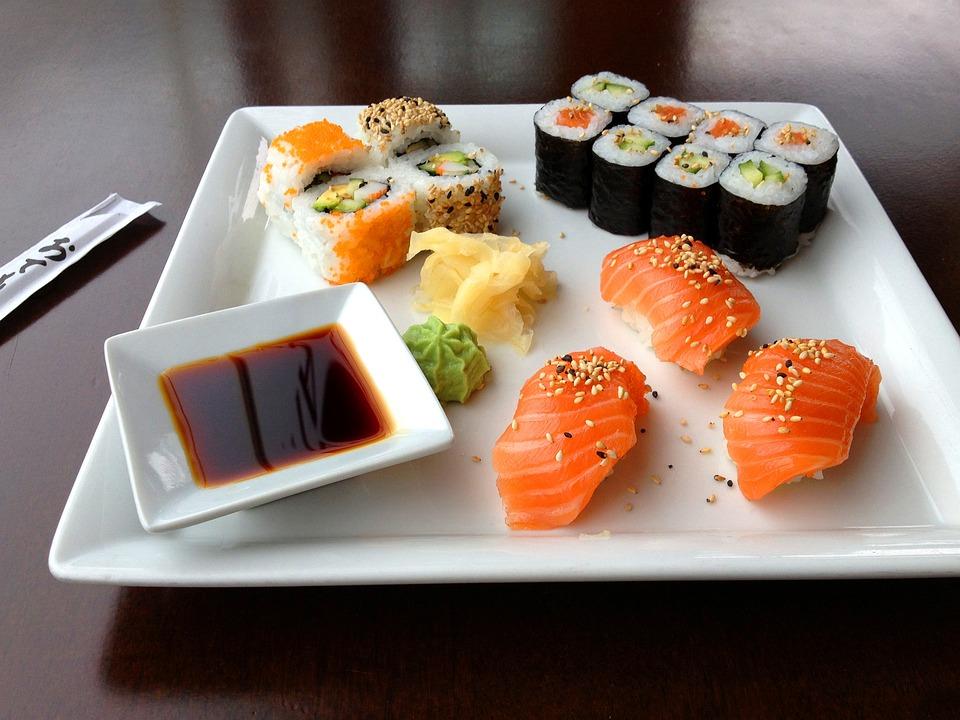 Sushi, Sashimi, Eat, Restaurant, Delicacy, Dine, Fish