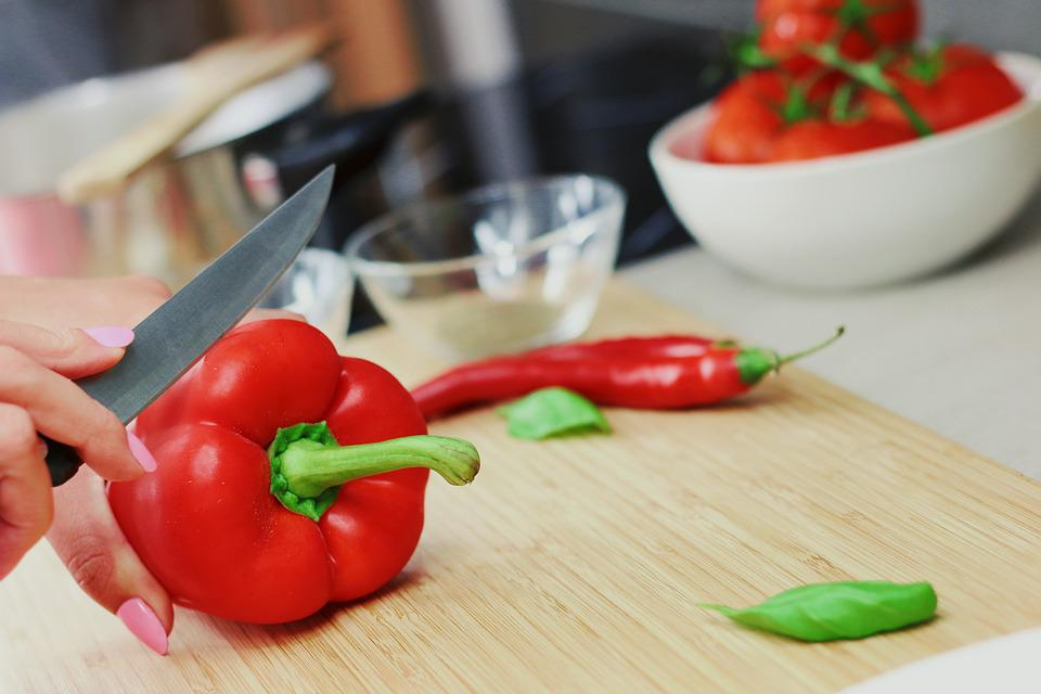 Bell Pepper, Capsicum, Red, Sweet Pepper, Cutting