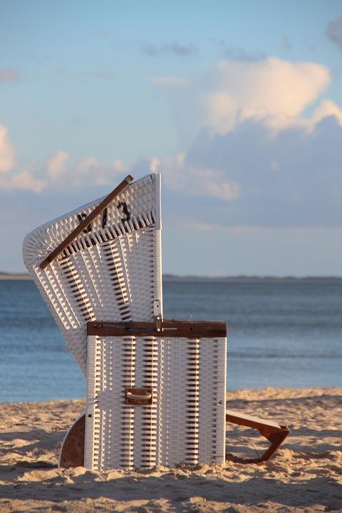 Roofed Wicker Beach Chair, Beach Chair, Sylt, Beach