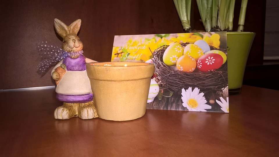 Easter, Table