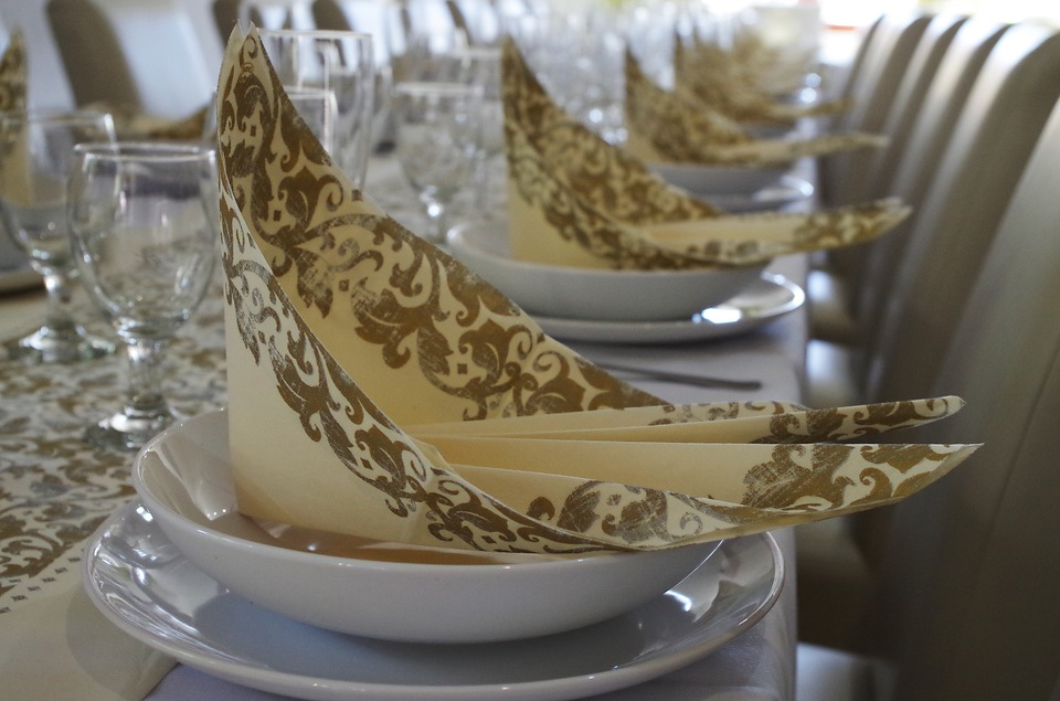 Table Manners, Serviettes, Place Setting, Restaurant