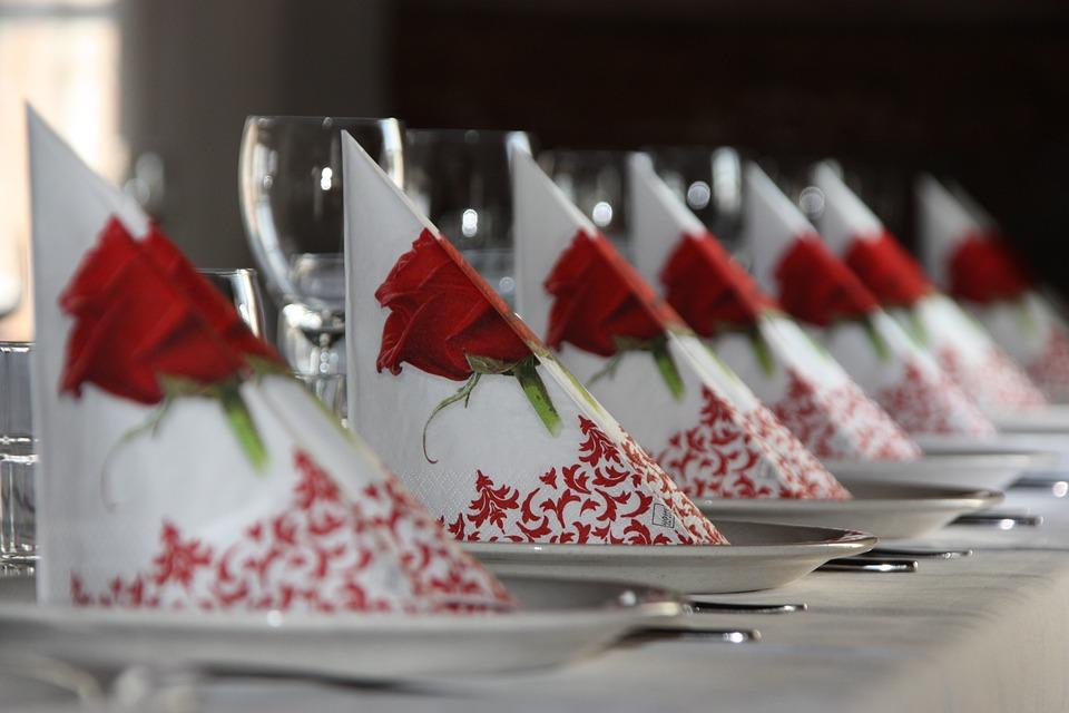 Table Settings, Restaurant, The Festivities