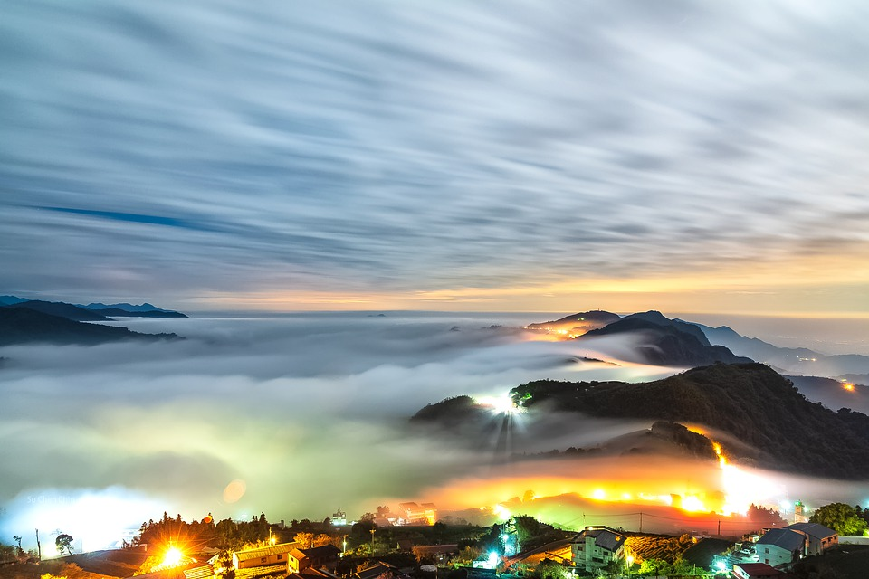 Taiwan Top Stone Table And A Sea Of Clouds, Night View
