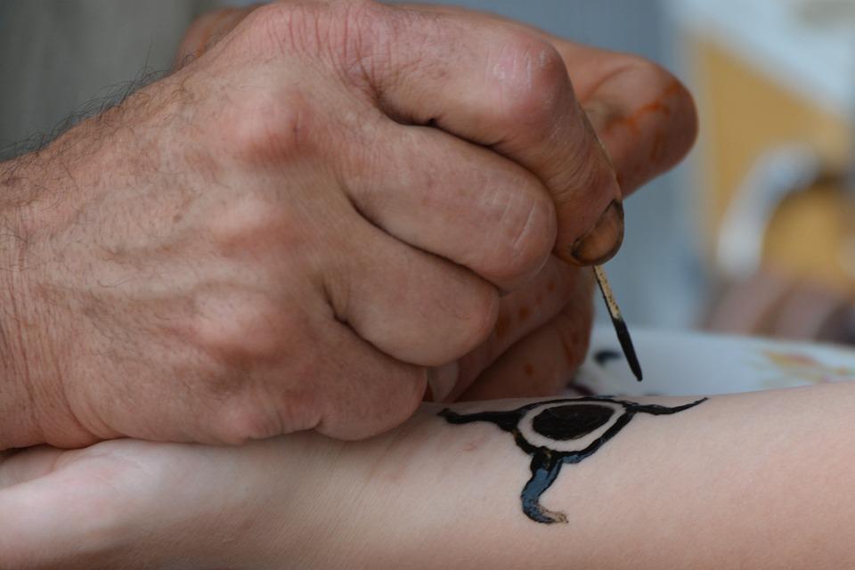 Free Photo Tattoo Artist Hand Henna Drawing Hands Max Pixel