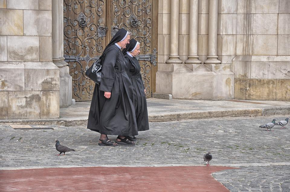Nuns, The Cathedral, The Basilica, Poland, Tourism, Nun