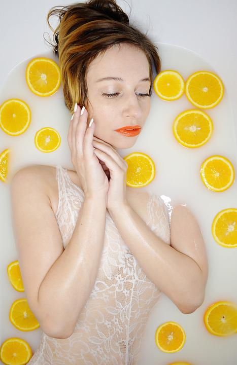 The Girl In The Bathtub, Citrus, Milk Bath