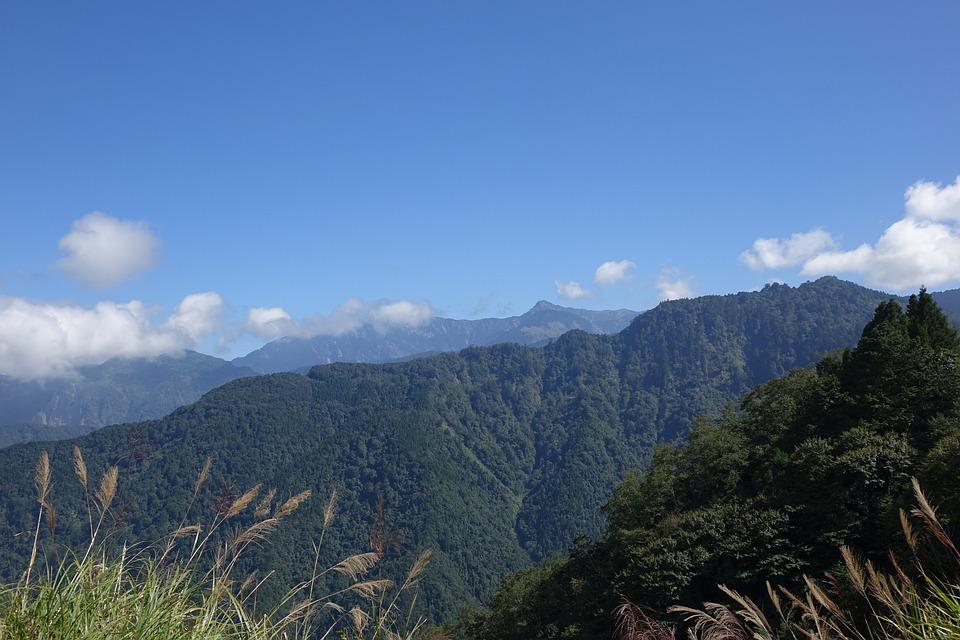 The Mountains, Blue Day, Baiyun