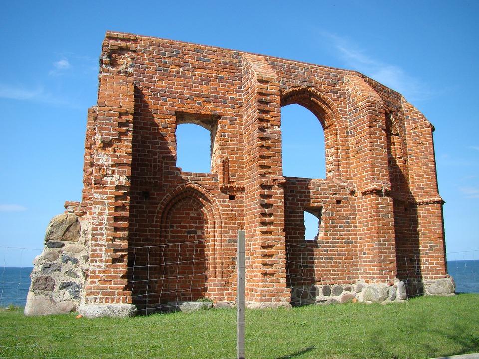 Trzęsacz, The Ruins Of The, Church