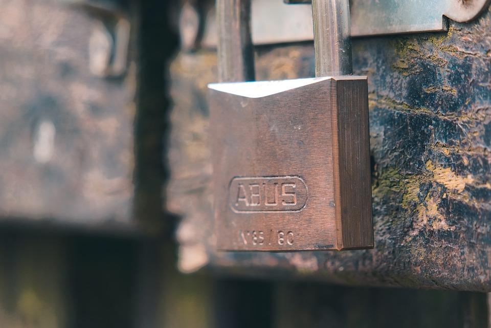 Castle, Padlock, Bolt, Closed, To, Iron, Metal, Door