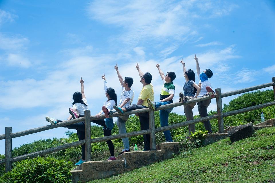 Tourism, Island, Friends, Young People, Joke