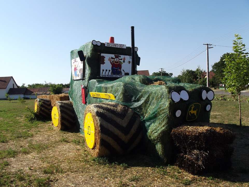 Tractor, Straw, Funny