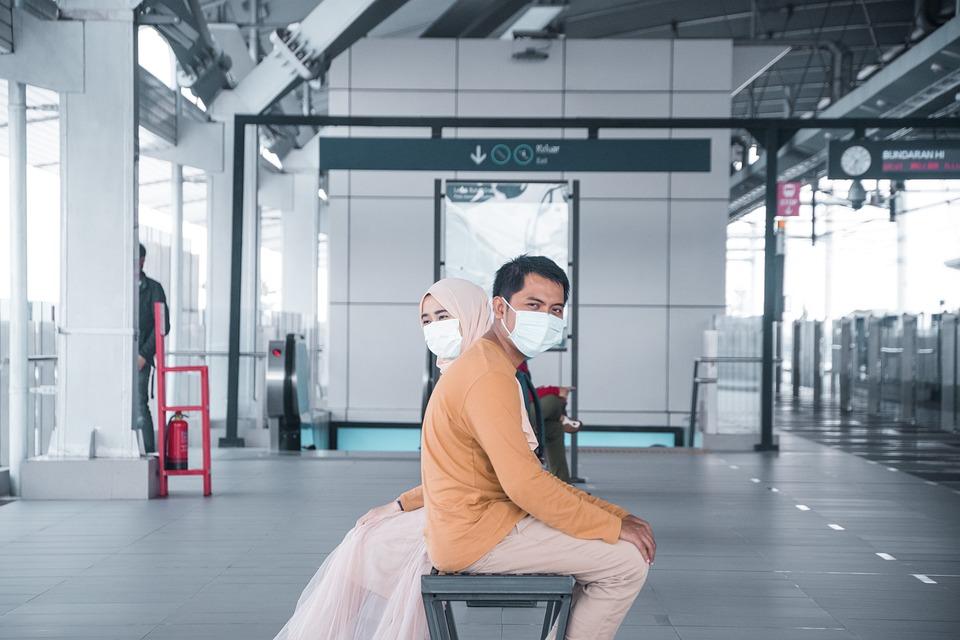 Couple, Social Distancing, Train Station, Coronavirus