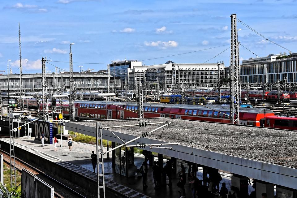S Bahn, Railway Station, Human, Wait, Transport