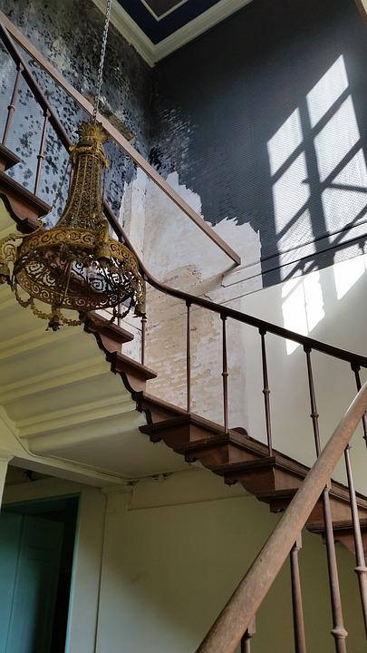 Staircase, Chandelier, Rust, Old, Trap, Expiration
