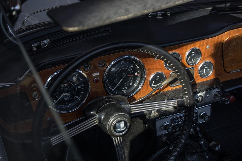 Free photo Triumph Cockpit Oldtimer Dashboard Auto - Max Pixel