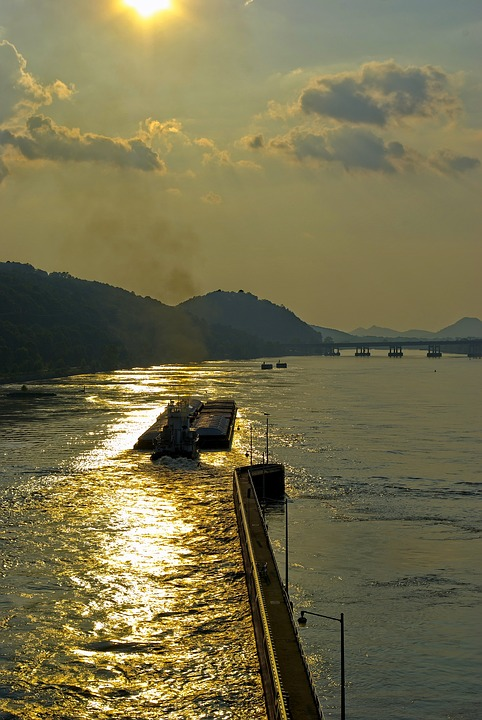 Pushing Upstream, Tugboat, Arkansas, River, Afternoon