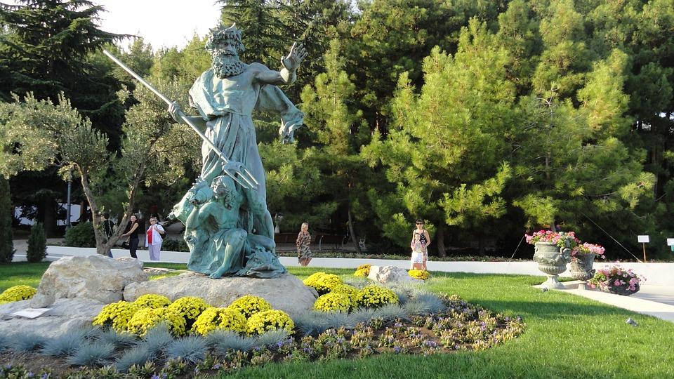 Ukraine, Crimea, Partenit, Beautiful Park Aivazovsky