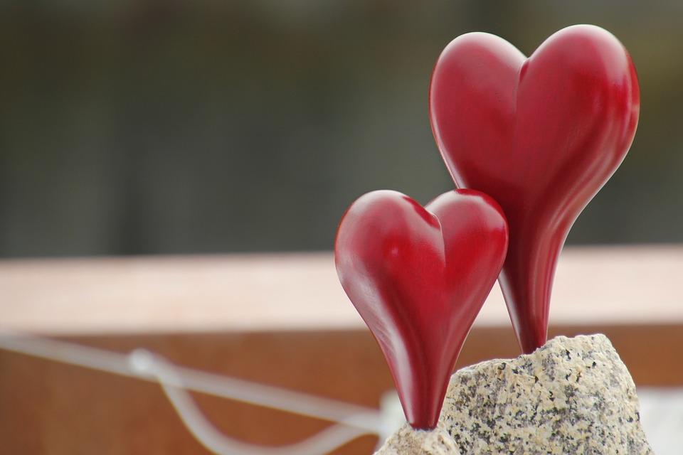 Heart, Valentine's Day, Greeting Card, Bleeding Heart