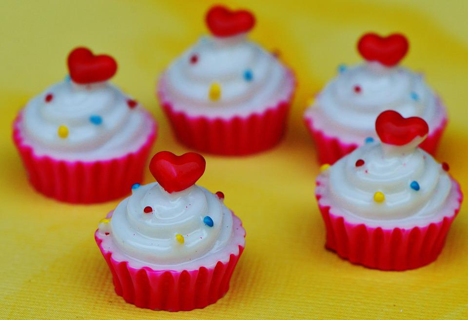 Cupcake, Cake, Heart, Valentine's Day, Miniature