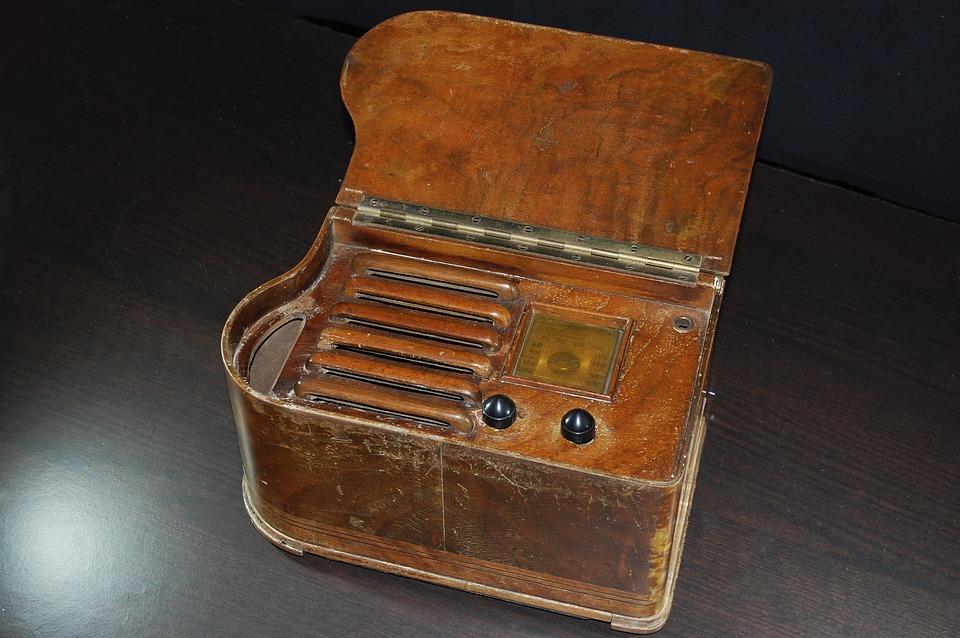 Radio, Old, Old Radio, Transistor, Valves Within