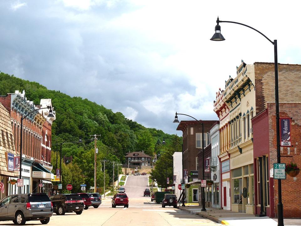 Wisconsin, Town, Downtown, Buildings, Quaint, Vehicles