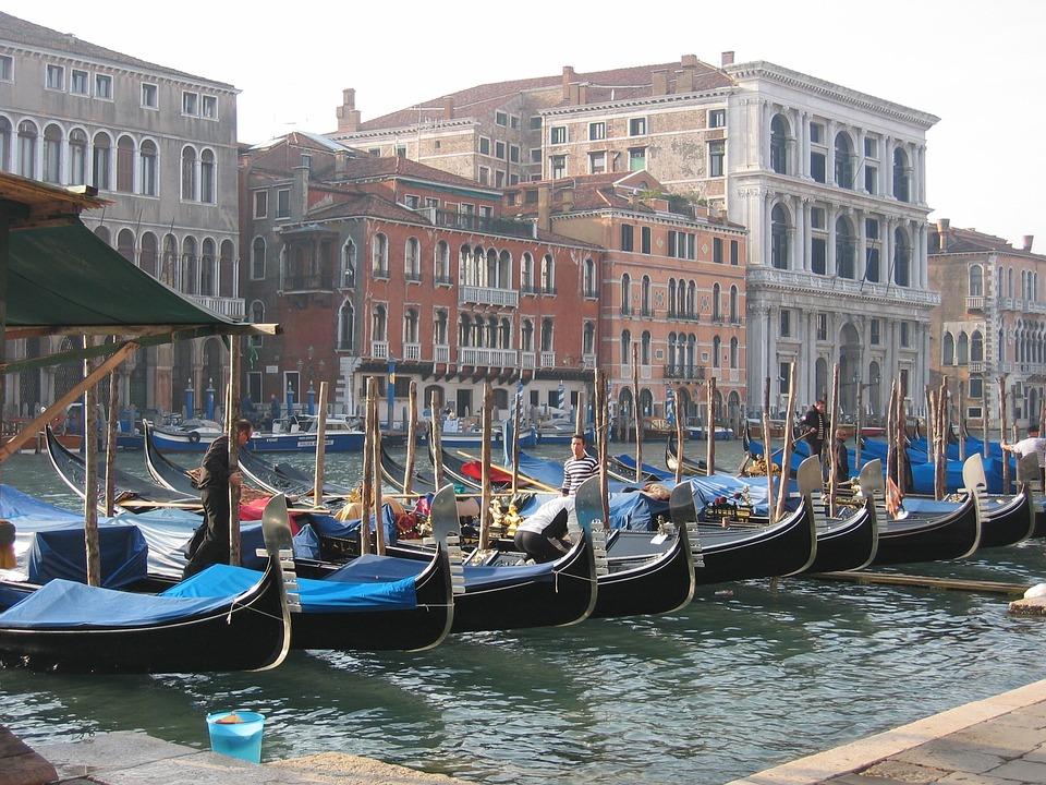 Venice, Gondolas, Lagoon, Italy, Water, Boats, Bowever