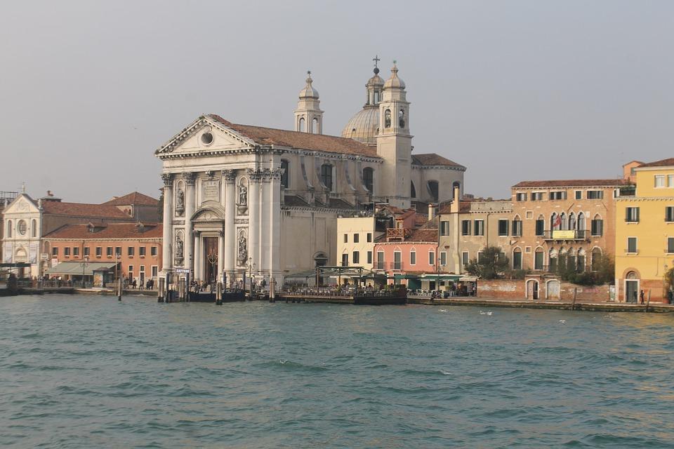 Venice, Channels, Giudecca