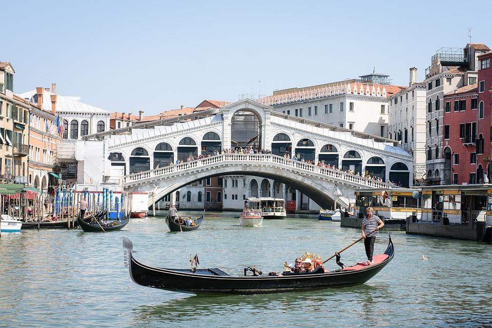 Venice, Canale Grande, Rialto Bridge, Italy, Gondolas