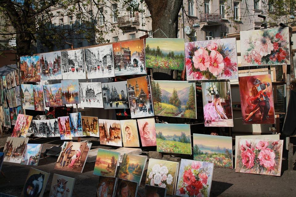 Pictures, Vernissage, Artist, Ukraine, Lviv, Old Town