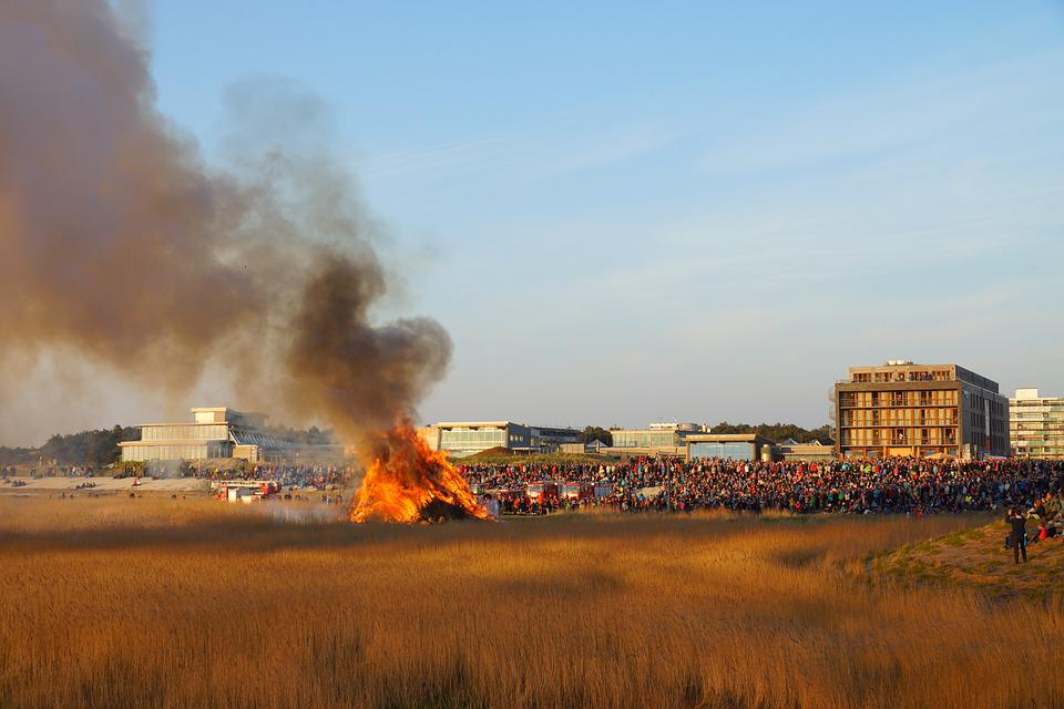 Easter Fire, Fire, Viewers, Saint Peter Ording, Easter