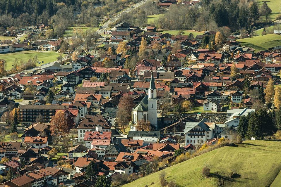 Bad Hindelang, Allgäu, Ostrachtal, Village