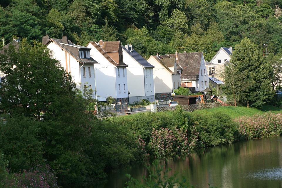 Village, River, Bank, Uferstrase, Near Shore, Lhn