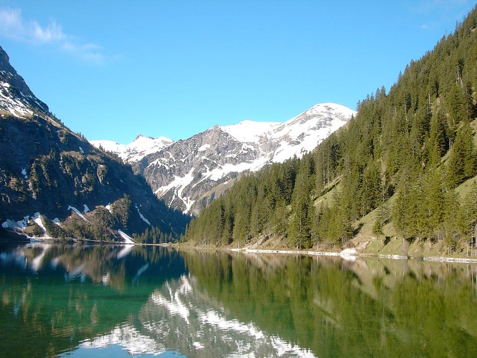 Vilsalpsee, Tannheimertal, Tyrol, Mountains, Forest