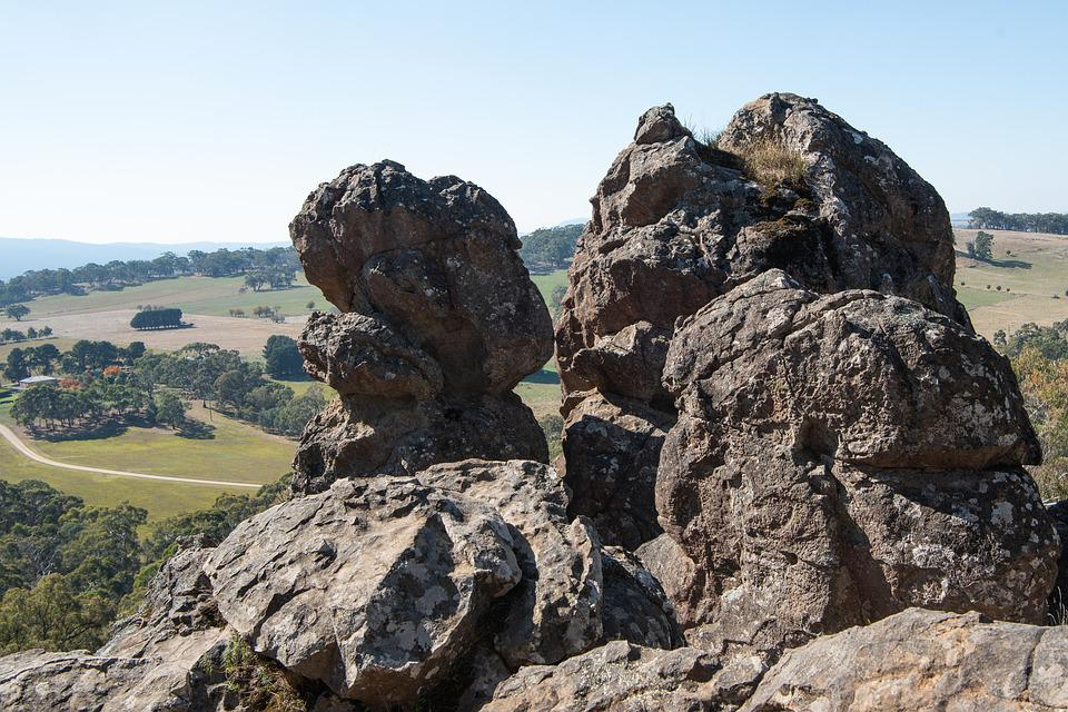 Hanging Rock, Rocks, Volcanic, Soda Trachyte, Geology