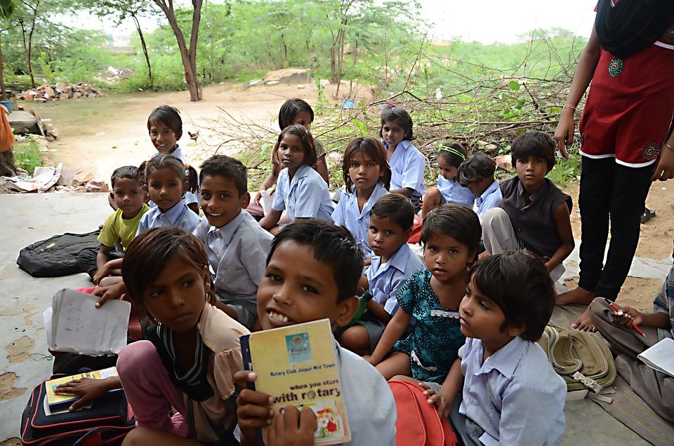 Kid, India, Volunteers