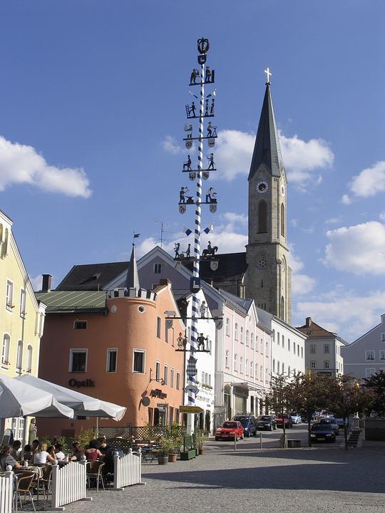 Marketplace, Waldkirchen, Portrait