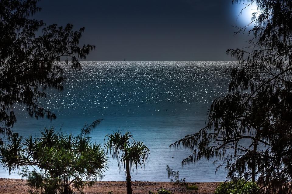 Moonlight Bay, Romantic Beach, Warm Night