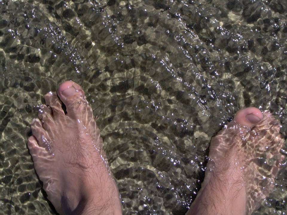 Pubs, Feet, Water, Wave
