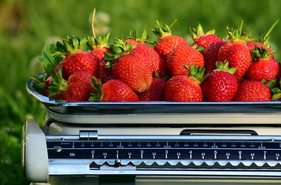 Horizontal, Strawberries, Weigh, Weight, Frisch