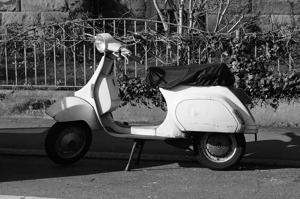 Roller, Vespa, Wespa, Black And White