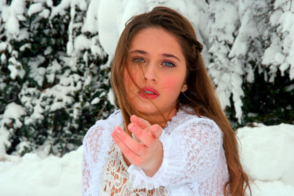 Girl, Rugaminte, Sadness, Despair, Snow, White, Cold