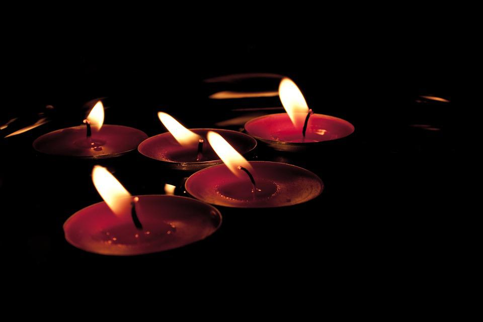 Candles, Wind, Red, Blow, Flutter, Water, Bill