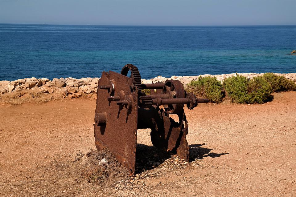 Windlass, Rusted, Color, Sea, Old, Metal