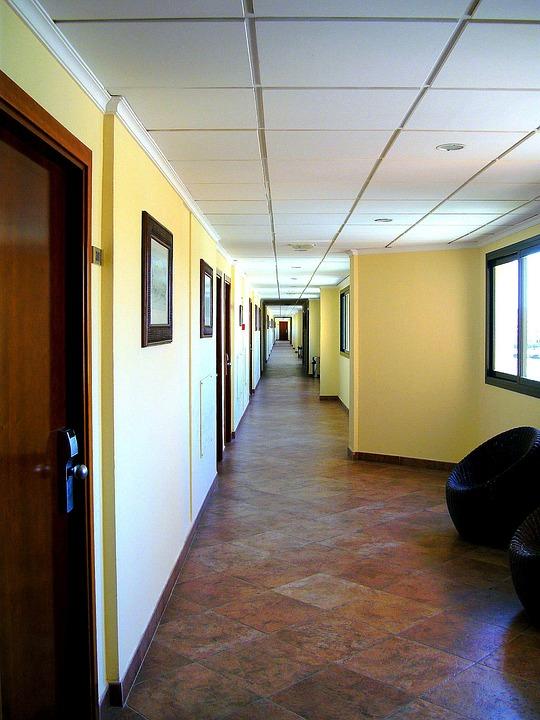 Floor, Gang, Very Long, Doors, Light, Hotel, Window
