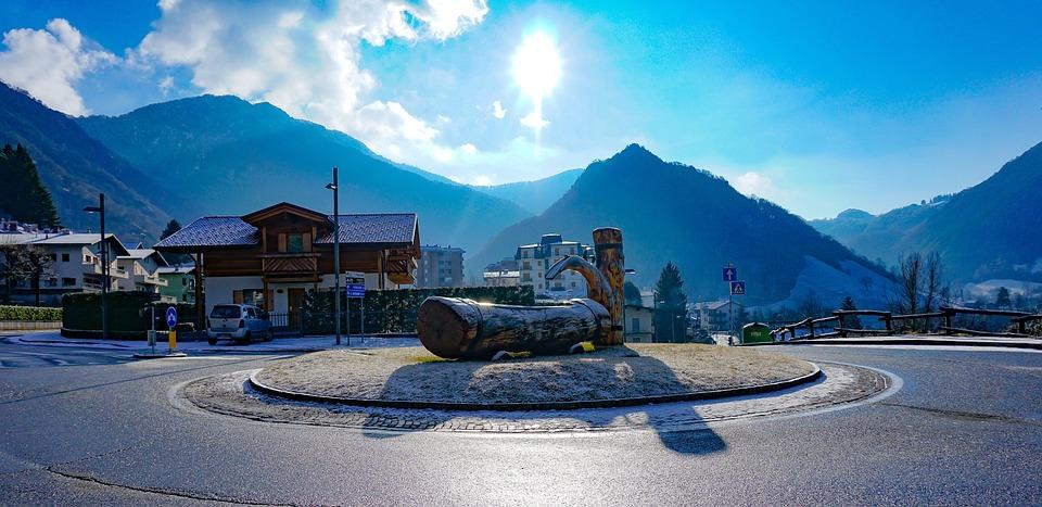 Round, Fontana, Asphalt, Mountains, Winter, Mountain
